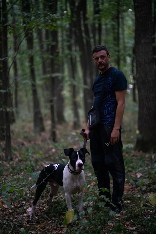 Om - Câine (2021) - Photo